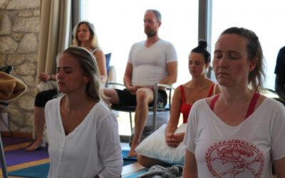 Shaktipat -students in meditation